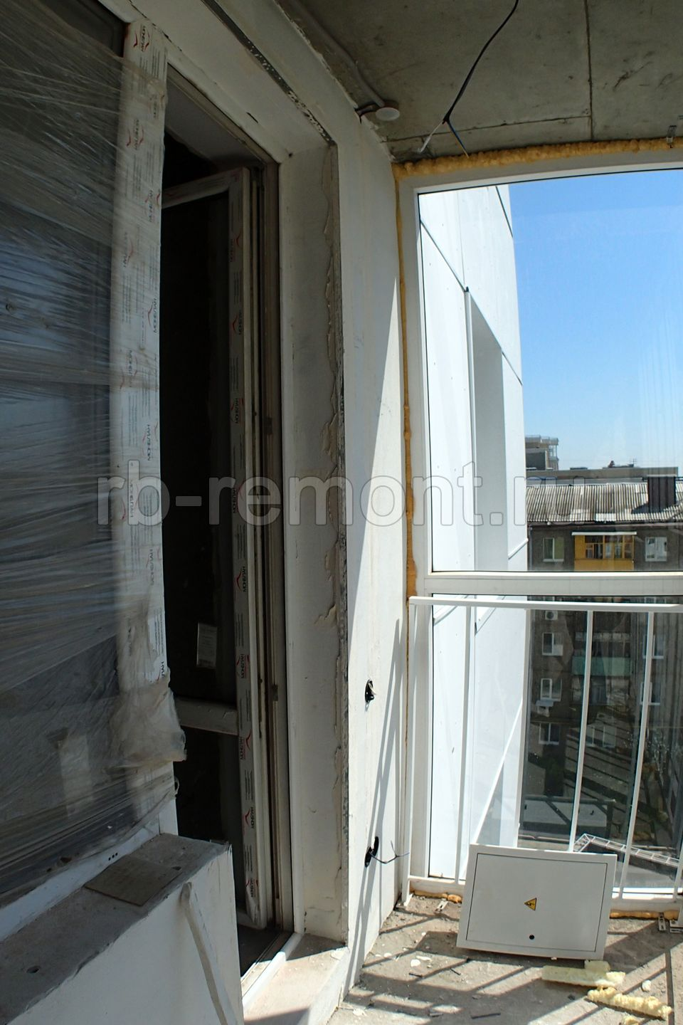 http://www.rb-remont.ru/raboty/photo_/domashnikova-20-00/balkon/do/1.jpg (бол.)