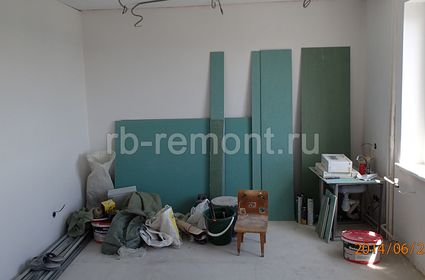 http://www.rb-remont.ru/raboty/photo_/pervomayskaya-71-56/gostinaya/001_do.jpg (мал.)