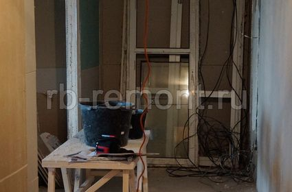 http://www.rb-remont.ru/raboty/photo_/revolucionnaja-68-00/koridor_mal/001_do.jpg (мал.)